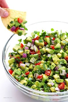 This chunky guacamole recipe is quick and easy to make, it& gluten-free and vegan by nature, and it& always a hit with a crowd! Perfect for game day, snacks, or just snacking every day! recipes for dinner recipes especiales Avocado Recipes, Keto Recipes, Cooking Recipes, Healthy Recipes, Dip Recipes, Simple Recipes, Vegetarian Recipes, Keto Foods, Recipes