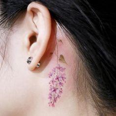 : Detail cut, lilac . #tattoo #tattoos #tattooing #art #tattooistdoy #inkedwall #design #drawing #타투 #타투이스트도이 #SwashRotary #dynamic #intenz #silverback #BellLiner #BellNiddle #TattooSupplyBell #flower #lilac