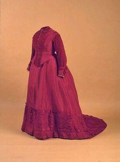 Dress, Louis P. Hammondi, Canada, 1876. Machine-sewn silk taffeta, silk velvet, and cotton. New Brunswick Museum