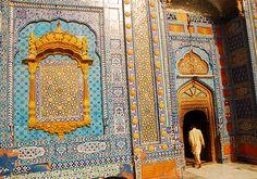 Sachal Sarmast's Tomb by Raja Islam, via Flickr