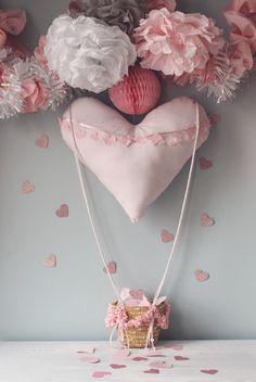 DIY Valentine's Countdown Heart Air Balloon