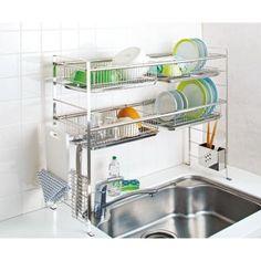 普段使いの食器は置きっ放しにできる大容量の水切りバスケット!食器棚への往復が必要なくなります!ミニ食器棚としても使えて大容量の4つのバスケット。