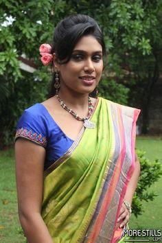 Manisha Yadav Saree Photos Beautiful Girl Indian, Beautiful Indian Actress, Beautiful Actresses, Beautiful Women, Girls In Panties, India Beauty, Cute Woman, Indian Sarees, Traditional Outfits
