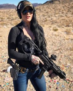 Military girl Women in the military Army girl Women with guns Armed girls Tactical Babes Girls and Guns Military Girl, Female Soldier, Warrior Girl, Military Women, Big Guns, N Girls, Badass Women, Look Cool, Lady