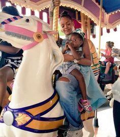 Rihanna Disney Prensesi Oldu