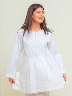 Stylish Dress Book, Stylish Dresses For Girls, Simple Dresses, Casual Dresses, Pakistani Party Wear Dresses, Beautiful Pakistani Dresses, Pakistani Dress Design, Fancy Dress Design, Girls Frock Design