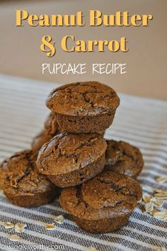 Simple and delicious, these peanut butter carrot pupcakes are healthy too. Perfect as every day treats, or for that special occasion. Easy Dog Treat Recipes, Homemade Dog Treats, Healthy Dog Treats, Doggie Treats, Peanut Butter Pupcake Recipe, Peanut Butter Dog Treats, Dog Biscuit Recipes, Dog Food Recipes, Dog Vegetables