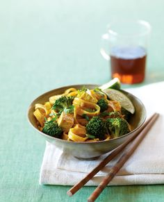 Thai Curried Noodles with Broccoli and Tofu Recipe | Vegetarian Times