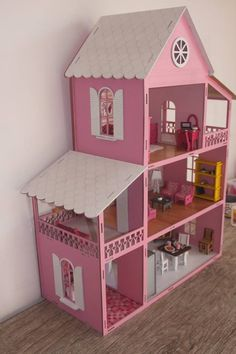 Barbie House Furniture, Dollhouse Furniture, Wooden Dollhouse, Diy Dollhouse, Cool Tree Houses For Kids, Baby Play House, Diy Cardboard Furniture, Doll House Crafts, Doll House Plans