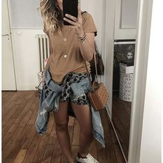 Jour 3 du grand week end Apres une journée de travail samedi : 3eme jour de pique nique en short ☀️ • T-shirt #ragdollla (from @lagrandeboutiquelgb) • Short #bash (on @monshowroom, link in my bio) • Denim jacket #kuregirls (from @cyrielleforkure) • Bag #mcm (from @mcmworldwide) • Sneakers #goldengoose (old) ...