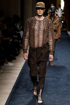 Sfilata Balmain Milano Moda Uomo Primavera Estate 2016 - Vogue