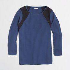 <ul><li>Poly.</li><li>Long sleeves.</li><li>Dry clean.</li><li>Import.</li></ul>