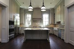 ceiling heights (omg), wood hood, island legs with attached bottom rail