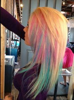 loving this pastel hair coloring!!!