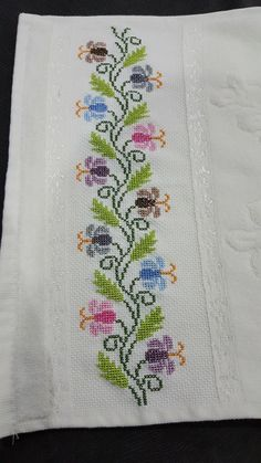 This Pin was discovered by Asi Cross Stitch Borders, Cross Stitch Rose, Cross Stitch Flowers, Cross Stitch Designs, Cross Stitching, Cross Stitch Embroidery, Cross Stitch Patterns, Canvas Template, Palestinian Embroidery
