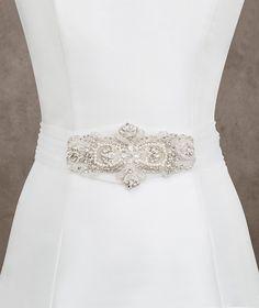 CINT.464 tulle belt with gemstone appliqué | Pronovias | Pronovias
