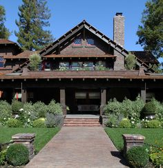 And Love Palo Alto. Palo Alto Historic Home - craftsman - exterior - san francisco - Boxleaf Design Exterior Stairs, Craftsman Exterior, Craftsman Style House Plans, Craftsman Bungalows, Craftsman Homes, Craftsman Fireplace, Bungalow Homes, Style At Home, Estilo Craftsman