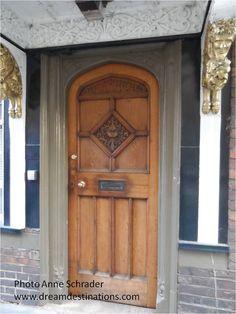 Door in Oxford England