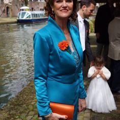 Bruidsboetiek Lovely Lady te Waalwijk ook maken wij prachtige creaties voor de moeder van de bruid.