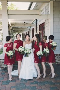 Bridesmaids in red lace dresses is such a pretty idea for winter weddings. Would you dress your bridesmaids in a bold color like this?