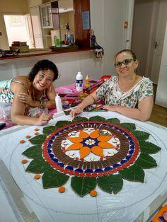 Mosaico Curitibano - alunas  de Patrícia Ono - Curitiba-PR - Brasil 12742610_10205727753781476_6548875022506832989_n.jpg (720×960)