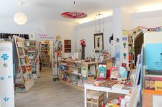Bookstore Mundo Azul (Choriner Str 49, P-Berg).  International children's books and young adult literature primarily aimed at bilingual families living in Germany.    We focus on:    Monday 10 to 18 clock    T-F 10 to 7; S 10 to 4     Public transport: U2 (Senefelder Eberswalder place or street)