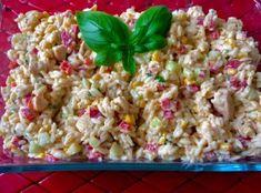 Sałatka z kurczakiem i makaronem ryżowym Szybka, pożywna i bardzo łatwa do zrobienia sałatka z mięsem drobiowym, makaronem i warzywami. Idealna propozycja na pyszną kolacje lub na drugie śniadanie do pracy czy na uczelnie. Taka sałatka to także bardzo dobre danie na spotkanie ze znajomymi. Koniecznie musicie spróbować! Składniki: 1 podwójny filet z kurczaka 200g … Vegan Recipes, Snack Recipes, Pasta Salad, Quinoa, Macaroni And Cheese, Grains, Food And Drink, Rice, Menu