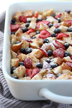Berry French Casserole - Moist on the inside, slightly crusty on the top, this Berry French Toast Casserole is delicious and feeds a crowd! Make ahead and pop into the oven whenever you are ready to eat it! The perfect breakfast and brunch food! Breakfast And Brunch, Perfect Breakfast, Breakfast Casserole, Overnight Breakfast, Overnight French Toast Casserole, Fun Breakfast Ideas, Breakfast Dessert, Dessert Food, Baked French Toast Overnight
