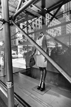 Lee Friedlander's New York City Mannequins Reflection Photography, Street Photography, Garry Winogrand, Lee Friedlander, William Klein, Weegee, Elliott Erwitt, Walker Evans, Street Signs