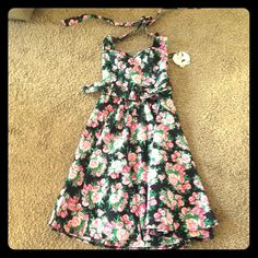 NWT retro sundress Super cute, brand new halter sundress with sweetheart neck and belt. Full skirt and elastic in the back. Never worn. No trade. ModCloth Dresses