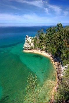 Love that Clear Lake Superior Water :: {Pictured Rocks National Lakeshore}