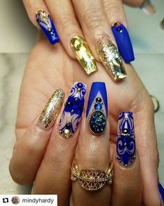 Blue and gold nails design Royal Blue Nails Designs, Gold Nail Designs, Simple Nail Designs, Chic Nails, Classy Nails, Stylish Nails, Nail Swag, Fabulous Nails, Gorgeous Nails