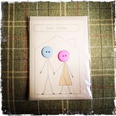 New Home card made with buttons and brown Kraft card door buttonbaps New Home Cards, New Baby Cards, Cd Crafts, Hobbies And Crafts, Meaningful Christmas Gifts, Housewarming Card, Teachers Day Gifts, Button Cards, Art N Craft