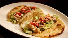 Chicken Tacos with Avocado Mousse + easy tortilla recipe! Healthy Dinner Recipes, Mexican Food Recipes, Real Food Recipes, Chicken Recipes, Recipe Chicken, Eat Healthy, Yummy Recipes, Easy Tortilla Recipe, Easy Flatbread Recipes