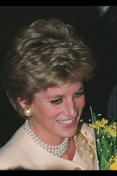 Diana loved pearls, and was photographed in this four strand choker on December 16, 1994.