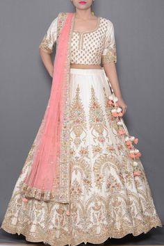 Bridal Lehenga Online, Designer Bridal Lehenga, Indian Bridal Lehenga, Indian Bridal Outfits, Indian Fashion Dresses, Bridal Dresses, Ethnic Fashion, Wedding Lehenga Designs, Lehenga Wedding