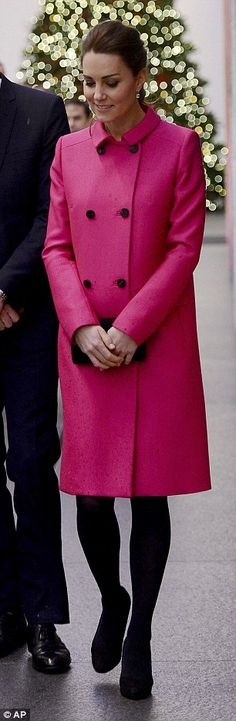 Duchess of Cambridge flies British fashion flag in pink Mulberry coat in NYC | Daily Mail Online