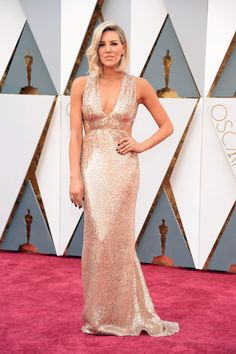 Charissa Thompson is proof the plunging neckline isn't going anywhere: http://www.aol.com/article/2016/02/28/prettiest-dresses-from-the-2016-academy-awards/21320029/
