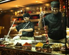 8 Awesome Buffets That Can't Be Missed
