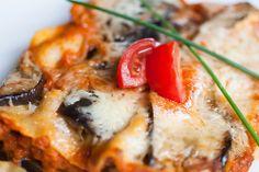 Lilkové lasagne s mozarellou / Eggplant lasagna with mozzarella Eggplant Lasagna, Homemade Lasagna, Mozzarella, Vegetable Pizza, Good Food, Food And Drink, Pasta, Vegetables, Czech Republic