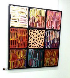 Lena Pwerle. Mbantua Art Gallery, Darwin