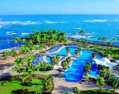 San Juan, Puerto Rico, Caribbean: Juan's Caribe Hilton hotel has a large pool complex and that Caribbean staple, a swim-up