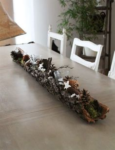 Christmas Decor DIY christmas table 15 Fabulous Christmas Candle Decoration Ideas To Delight Your Holiday Christmas Candle Decorations, Christmas Tablescapes, Christmas Candles, Christmas Crafts, Christmas Ornaments, Holiday Decor, Holiday Ideas, Decoration Table, Beautiful Pictures