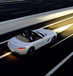 Mercedes SLS AMG Cabriolet. Wish I could afford this! Goshhh.