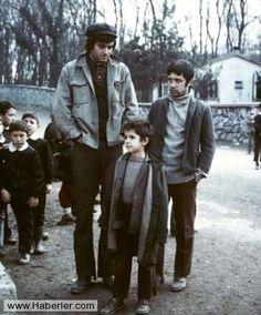 ✿ ❤ Yeşilçam'ın 1973 tarihli Canım Kardeşim filminde, Tarık Akan, Halit Akçatepe ve o zamanların küçük oyuncusu Kahraman Kıral.