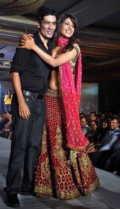 Indian Ethnic Bollywood Designer Lengha Party Wear Traditional Dress Wedding #SiaDesignerCollection #BollywoodDress