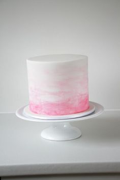 Pink and white watercolour cake by https://www.facebook.com/cakecarrousel/