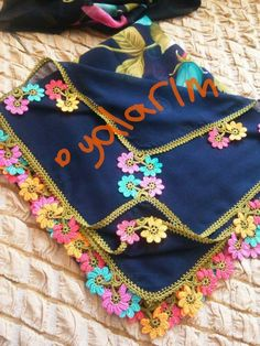 This post was discovered by Meryem Üçkulak. Discover (and save!) your own Posts on Unirazi. Crochet Motif, Saree Tassels, Diy And Crafts, Knitting, Prints, Craftsman Fabric, Tejidos, Amigurumi, Embroidery