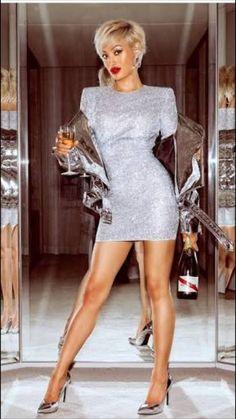 Beautiful Legs, Gorgeous Women, Women Legs, Sexy Women, Urban Fashion, Womens Fashion, Street Fashion, Great Legs, Sexy Legs