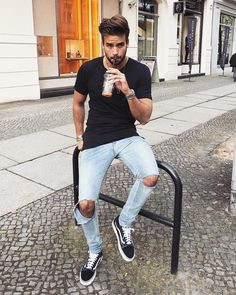 mens_fashion - 44 Spring Chic Outfits for Men's Street Style glamisse com Ibiza Outfits, Classy Outfits, Chic Outfits, Fashion Outfits, Fashion Styles, Fashionable Outfits, Blazer Outfits, Fashion Hats, Vans Outfit Men